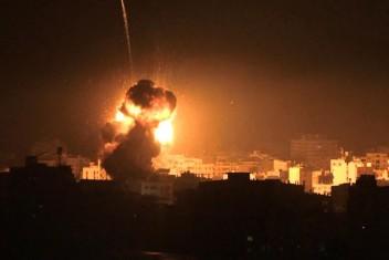 الاحتلال قصف الليلة مواقع شمال القطاع