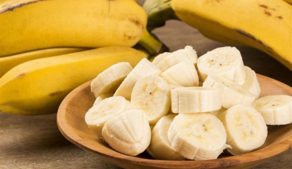 قد تكون مميتة… أطعمة يمنع تناولها مع الموز