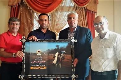 منحه لقب الصحفي الإنسان... الإعلام الحكومي يُكرم المصور الصحفي حاتم عمر