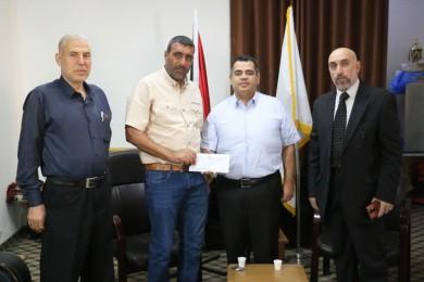 """""""هنية"""" يقدم مساهمته المالية للسماح بعودة المحررة """"أبو كميل"""" لغزة"""