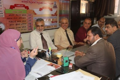 """""""عوض """" يثني على جهود وخطط وزارة التعليم"""