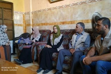 وزارة الأسرى والمحررين تواصل سلسلة زياراتها لعوائل الأسرى