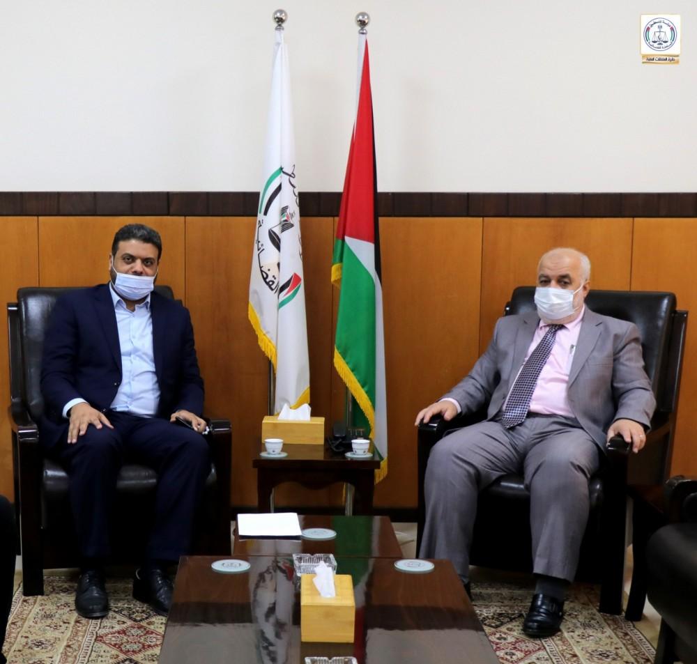 المستشار عابد يناقش سبل التعاون بين القضاء وبلدية المغازي