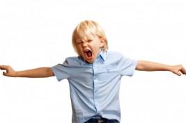 التعامل الأمثل مع سلوكيات الطفل السلبية في المنزل