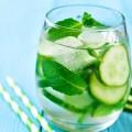 ماء الخيار مشروب صيفى لطيف.. يمنع الإمساك وحصوات الكلى