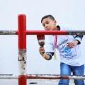 طالب من مدرسة تابعه للأونروا في شمال غزة يشارك في