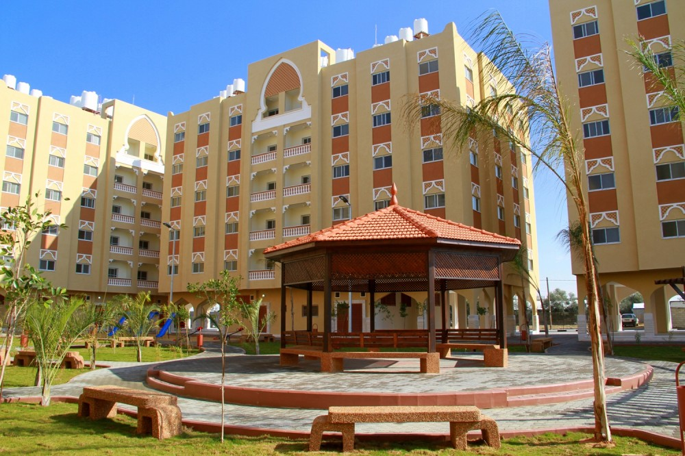 اللجنة القطرية تشكل لجنة فنية لاستلام 15 عمارة سكنية في قطاع غزة