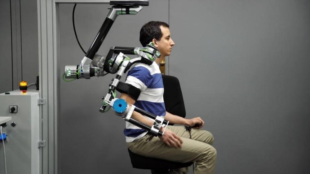 الروبوتات تساعد في إعادة تأهيل العمال المصابين