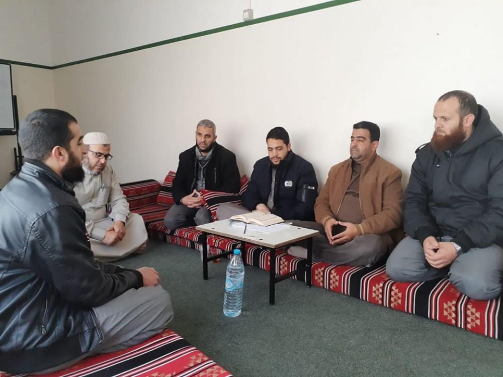 ديوان الحفاظ بالأوقاف يُنهي اختبار تسميع القرآن كاملًا للطالب عامر عبدو