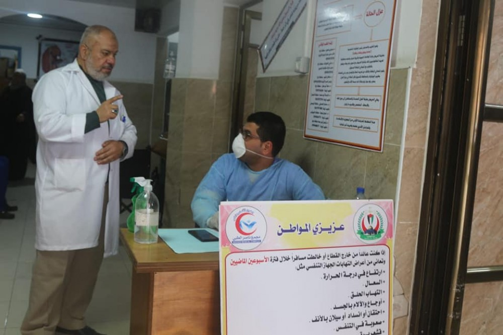 مجمع ناصر الطبى يواصل تفعيل الفرز التنفسى لمتردديه منذ أسبوعين