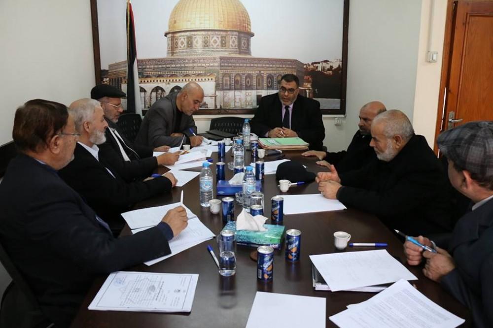 رئاسة التشريعي تناقش مع سلطة الأراضي شكاوي المواطنين
