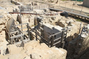 الاحتلال يمنع نشر معلومات بشأن حفريات أثرية بالضفة