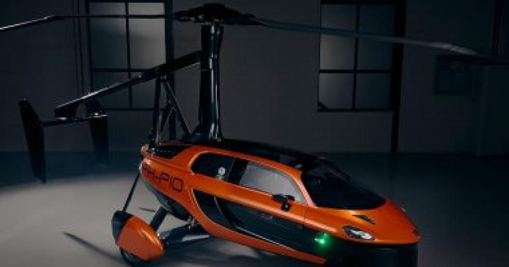أول سيارة فى العالم يمكنها الطيران والسير على الأرض.. صور
