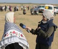 الصحافيين خلال تغطيتهم لأحداث الجمعة السابعة لمسيرات العودة الكبرى، شرق مدينة غزة.  تصوير : عطية درويش