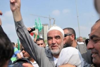 حماس تهنئ شيخ الأقصى رائد صلاح بالإفراج عنه