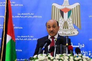 الاحتلال يوافق على صرف مواد بناء لـ 10 آلاف مواطن