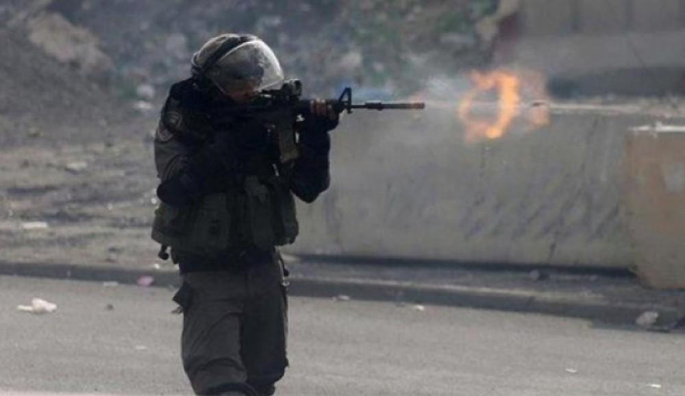 قوات الاحتلال تطلق النار