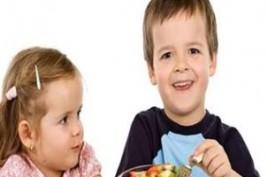 س وج..ما هى طرق السيطرة على ارتفاع الكوليسترول عند الأطفال؟