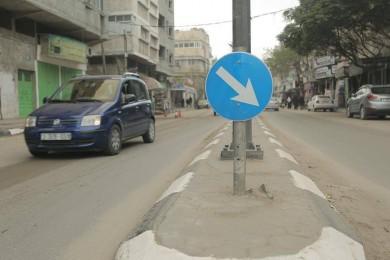 بلدية غزة تُركب (23) إشارة مرورية جديدة في يناير الماضي