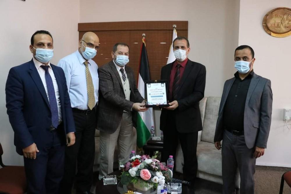 الحكم المحلي تعزز تعاونها مع جامعة الأمة
