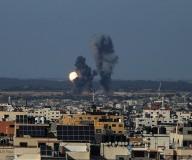 غارات الاحتلال على مدينة غزة... تصوير/ عطية درويش