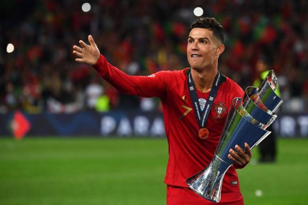 رونالدو يتوج بجائزة هداف دوري الأمم الأوروبية وبيرناردو سيلفا أفضل لاعب