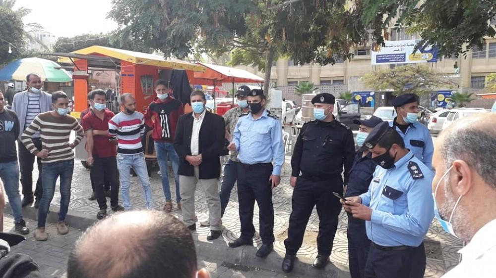 المواصلات تشارك شرطة المرور  في أنشطة التوعية المرورية