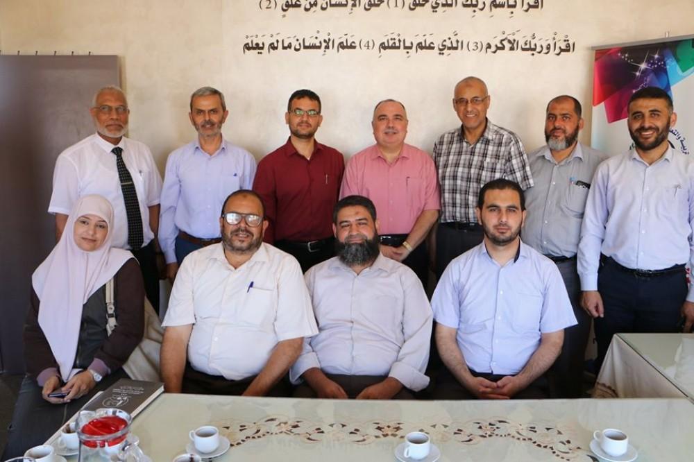 تعليم شرق غزة ونقابة المعلمين تناقشان عدة قضايا تعليمية