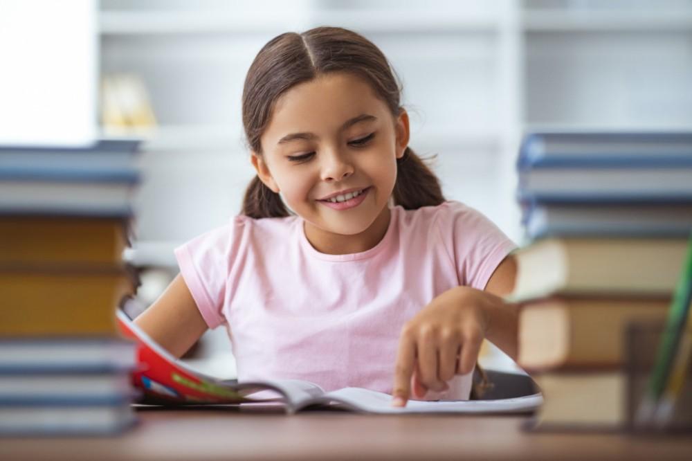 هذا ما تفعله القراءة لصحة طفلك النفسية والعقلية