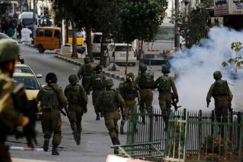 إصابة فتى بجروح خطيرة بمواجهات مع الاحتلال ببيت لحم