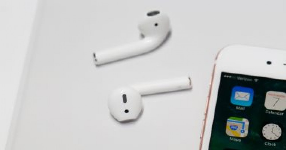 كيف تستخدم سماعتى بلوتوث مع هاتف أيفون واحد؟