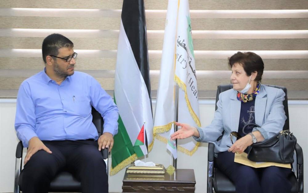 وزارة الصحة والمستشفى الأهلي العربي يبحثان سبل تعزيز التعاون المشترك
