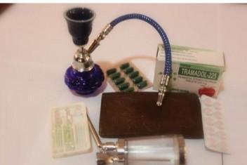 مكافحة المخدرات تضبط 6 فروش حشيش وألف حبة مخدرة