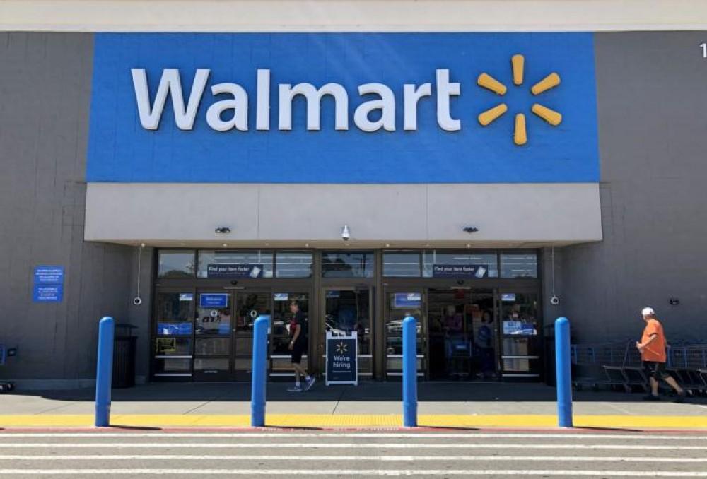 وول مارت تعتزم توظيف 20 ألف عامل
