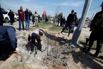 """الحكومة تهاجم """"حماس"""" بعد الكشف عن المتهمين بتفجير موكب الحمد الله"""