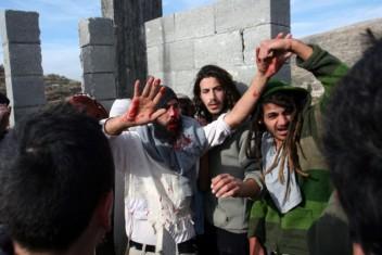 مواطنون يحتجزون 4 مستوطنين مسلحين في قصرة جنوب نابلس