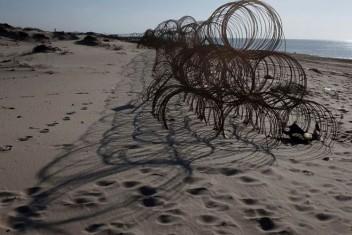 يديعوت: البحرية الإسرائيلية تعثر على قنابل بساحل زيكيم