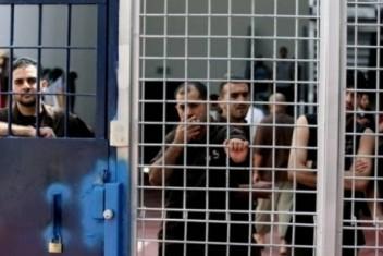 الأسير ناصر عويص: لا مفاوضات ولا أي طرح جدي بشأن مطالبنا