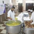 تكية غزة الخيرية توزع وجبات الطعام على 100 أسرة محتاجة بغزة