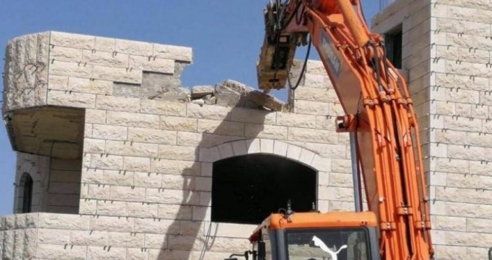 الاحتلال يمهد لهدم 100 شقة سكنية في وادي الحمص بالقدس الشهر القادم