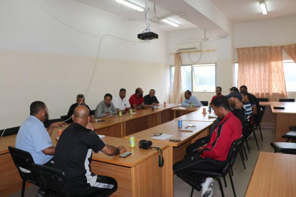تعليم الوسطى يعقد اجتماعاً لمناقشة خطة الأنشطة الرياضية