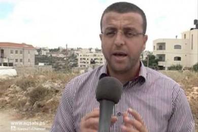 الاحتلال يجدد منع زيارة المحامي للصحفي القيق