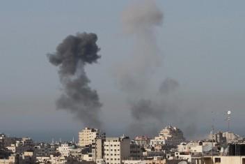 طائرات ومدفعية الاحتلال تقصف الحدود شمال قطاع غزة