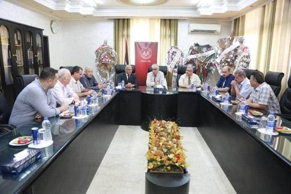 بلدية غزة وجامعة الأزهر يبحثان التعاون المشترك