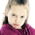 طرق التعامل مع الطفل العنيد والعصبي