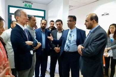 السفير الياباني يتفقد قسم الحضانة بمجمع الشفاء الطبي