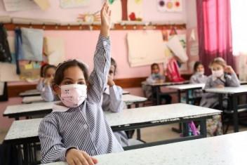 مئات آلاف الطلبة يعودون للمقاعد المدرسية في الضفة الغربية