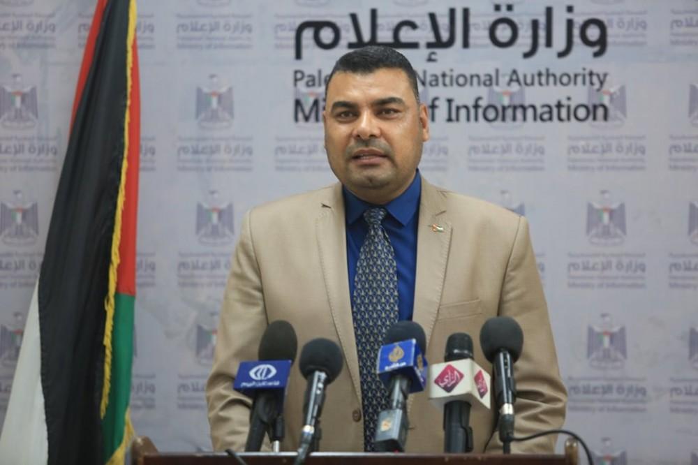 الناطق باسم وزارة الصحة أشرف القدرة خلال اللقاء