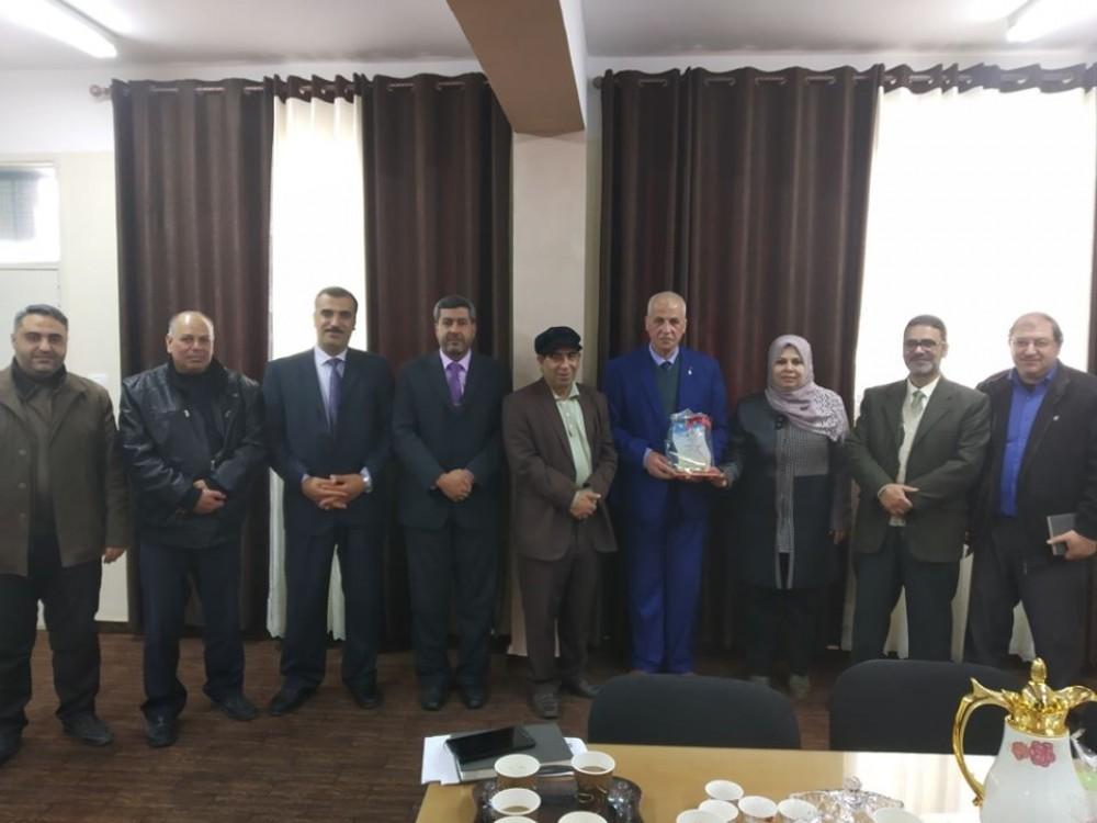 مدير التعليم في شمال غزة يلتقي رئيس المنطقة الشمالية في
