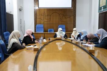 التشريعي ووزارة المرأة يناقشان تنظيم أحكام خاصة بالخلع